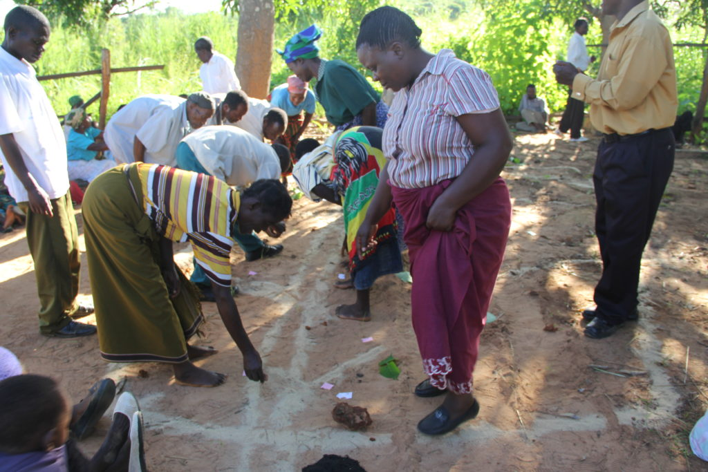 Actions_to_end_open_defecation_in_a_village_in_Malawi_(1)