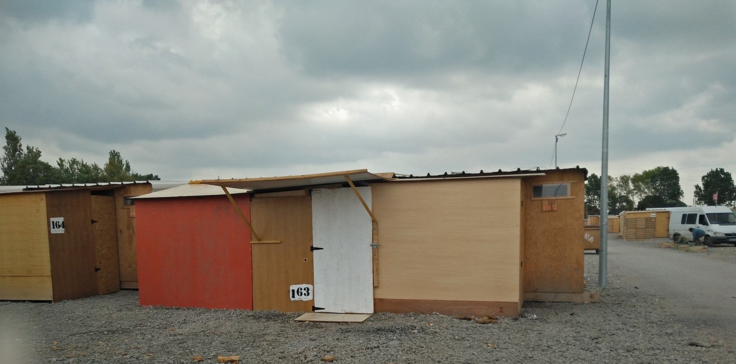 Extension of shelters. Copyright: Hanne Vrebos